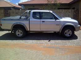 Mitsubishi Colt club cab 2.8 tdi Diesel for Sale R65000 Neg
