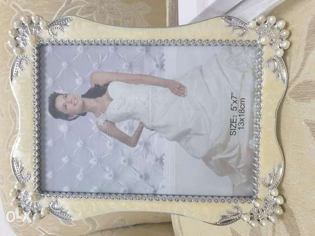 V beautiful brand new photo frame for sale