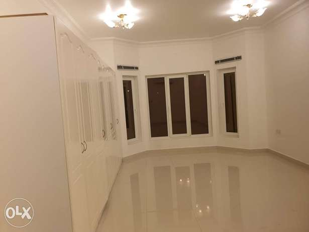 Very high quality house opposite wave