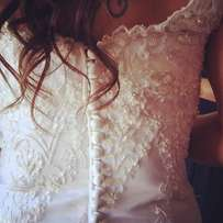 Beautiful Lace and Beaded Wedding Dress for Sale