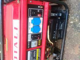Jiali Generator Ep6500es with key automatic starter in excellent condi