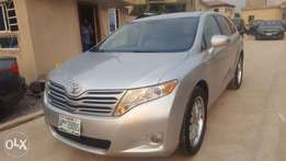 Super Clean Bearly Used Toyota Venza 010