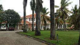 Monster 5 bedrooms in 1 1/2 acre in nyali to let