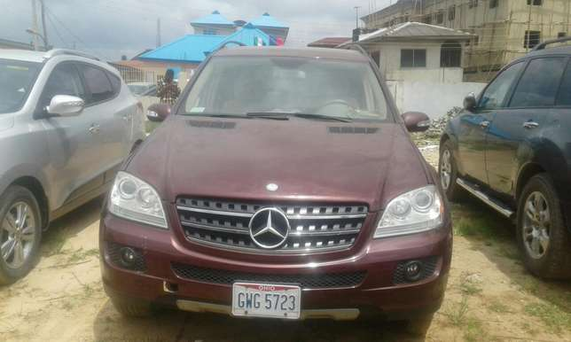 2007 Toks Mercedes Benz ML 350 Lagos Mainland - image 2