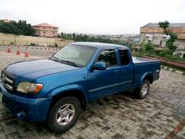Nearly toyota tundra one and half cabin up for grab