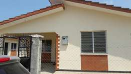 RAYO. 3bedroom bungalow 30k all are master en suite