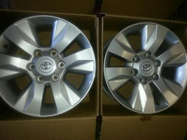 """17"""" inch mags for Toyota Hillux and Fortuners on sale a set ( 4 ) Pretoria West - image 5"""