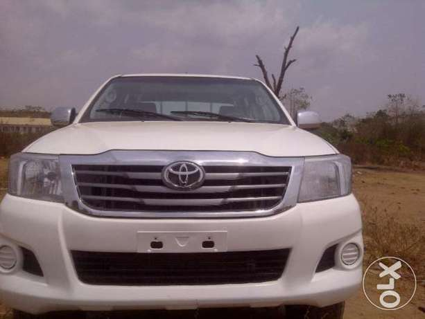 VERY SHARP 2012 Toyota Hilux (High Jack) up for Grabs! Abuja - image 2