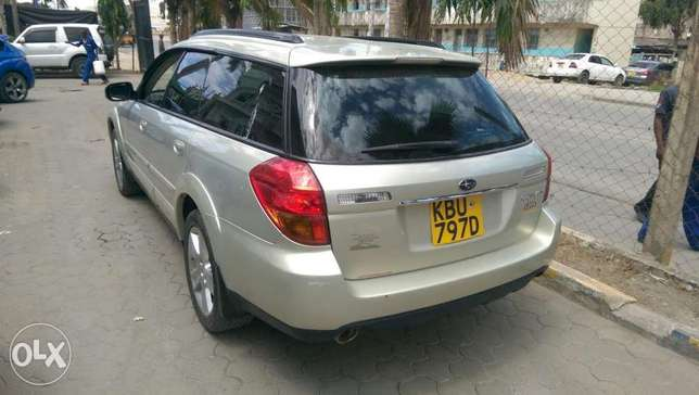 Subaru Outback leather Mombasa Island - image 2