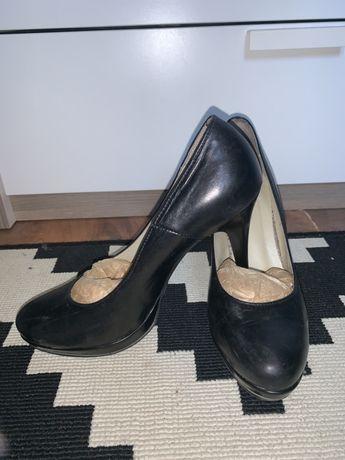buty na niskiej platformie na olx damskie