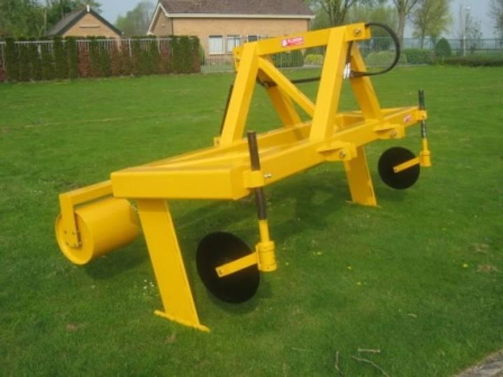 AGM Duo Grondwoeler field roller