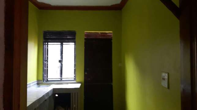 An exrctive 1 bedroomed and 1 sitting room in mengo Kampala - image 4