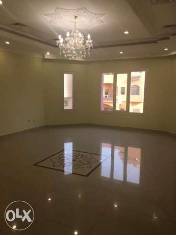 A large floor for rent in Mangaf