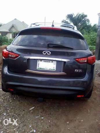 very clean used Infiniti FX50 09 with full option Apapa - image 2