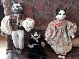 Set of collectible Ceramic/Porcelain Dolls