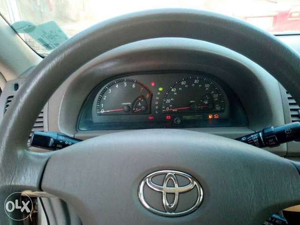 Tokunbo 2004 Toyota Camry Big Daddy LE Festac Town - image 3