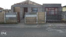A spacious 2 bedroom house for sale R190.000 negotiable!