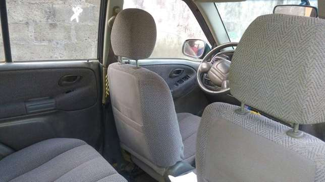 Suzuki Grand Vitara 2002 Model (Nigeria Used) Alimosho - image 2