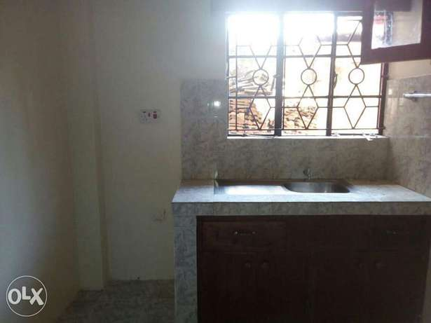 Excellent well build two bedrooms now letting Ruaka - image 4