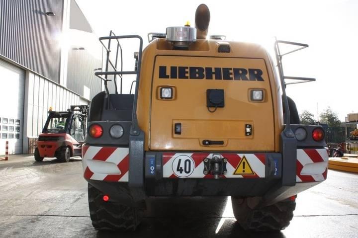 Liebherr L576 - 2014 - image 7