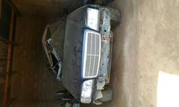 Im selling my Mercedes Benz.problem is only body side engine is till