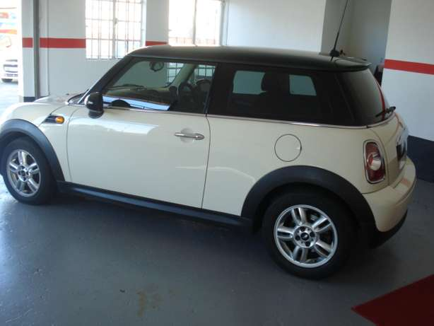 mini cooper Cape Town - image 3