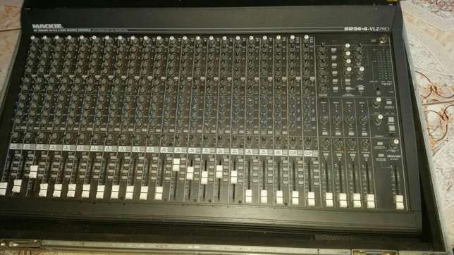 Mackie 24 channels mixer with 200w power supply Ruiru - image 1