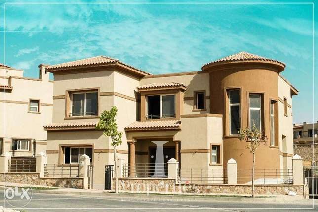 For Sale Standalone Villa At Palm Hills Kattameya Prime Location القاهرة الجديدة - التجمع -  2