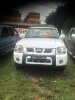 nissan hard body np 300 2.4 double cab