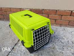Cat traveling cage and sleeping basket