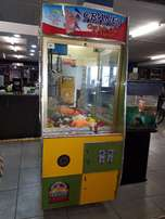 Teddy bear claw machine