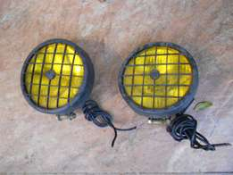 Halogen yellow bumper fog light set
