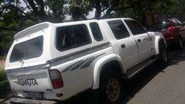 2002 Toyota Hilux 2.7i With Canopy