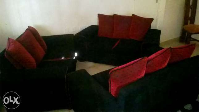 6 Seater Couch. Polyview - image 1
