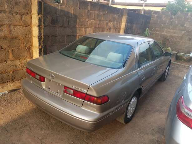 very clean Toyota Camry tiny lightTokunbo Lagos clear paid full duty Alimosho - image 1