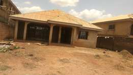 5 bed rooms bungalow situated at zone7 capital area estate for sale