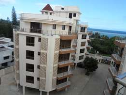 To let executive 3 bedroom apartment with a pool near city mall Nyali