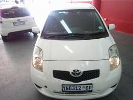2008 Toyota Yaris T3, Color White, Price R88,000.