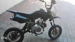 selling my 110cc pitbike.