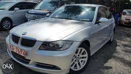 BMW 320i excellent condition for quick sale