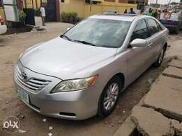 Sharp 2009 Toyota Camry LE