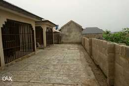 1 bedroom flat for Rent at Ayekaale, otaefun. Osogbo.