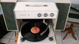 Repairs Turntables and old valve redios and cd pleyer