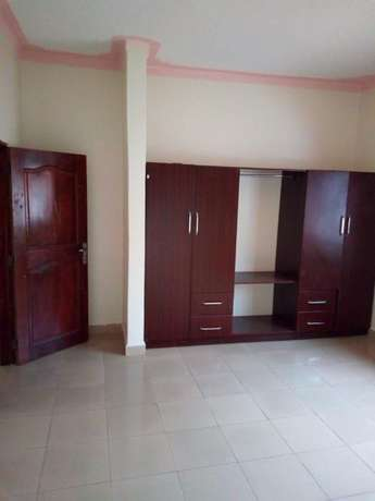 Well fenced House for Rent Kampala - image 3