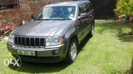 2006 jeep grand cherokee 5.7 hemi stripiing for spares