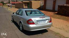 very clean mercedes benz E500, for an urgent sale