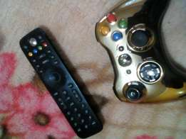 Xbox360 with 2 controllers an more than 200 games for sale