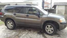 Mitsubishi Endeavor in good condition.