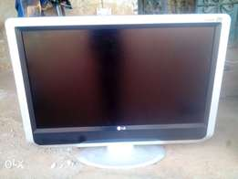 32 inches LG LCD TV. Direct Tokunbo from Alaba
