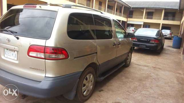 Toyota sienna at affordable price Akure South - image 3